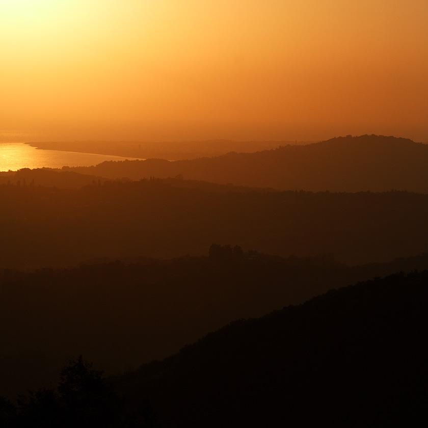 Абхазия, вид с Анакопийской крепости в сторону Пицунды
